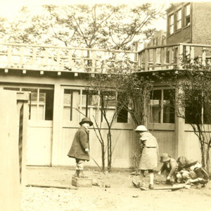"IVs and Vs ""fishing"" in the Yard, 1921"