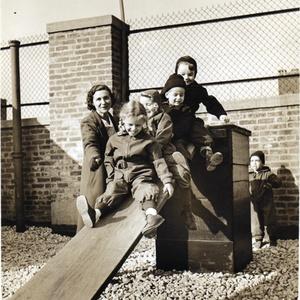 LowerSchool_Roof_CharlottePincoBallard_Life Magazine_1945.jpg