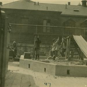 RoofClimber1920s.jpg